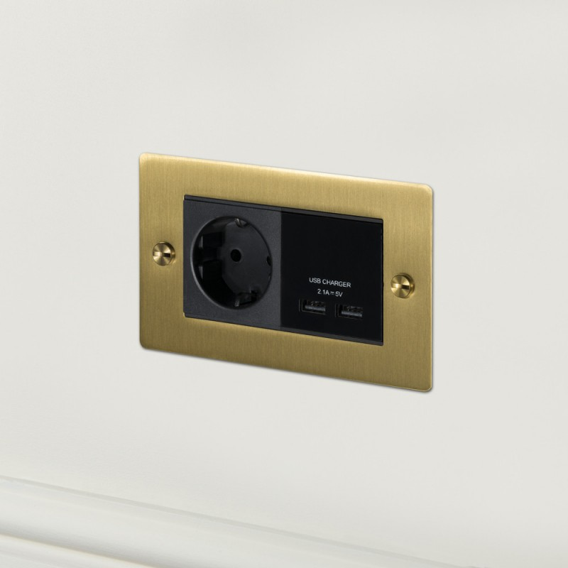 Розетка + USB выход Brass, Buster&Punch (Англия)