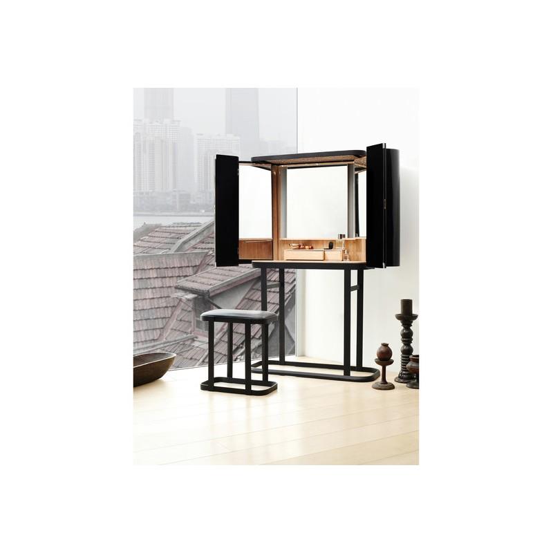 Косметический столик The Narcissist, DB Barcelona (Испания)