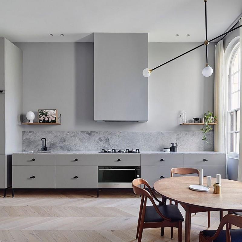 Кухня без верхних шкафов — не для нашего менталитета